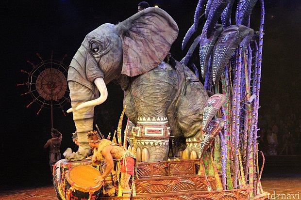 象のフロートです。