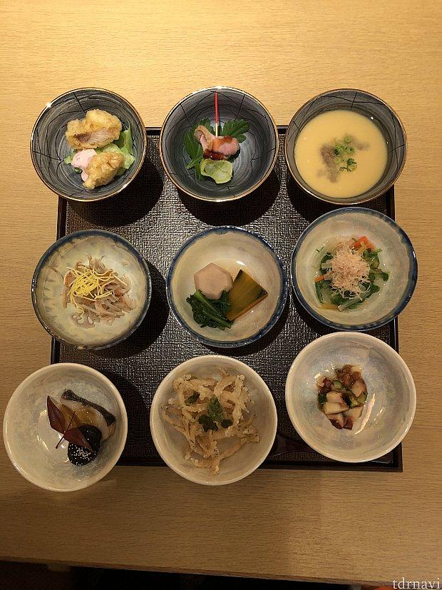 特選小皿九種    種類の多さに驚きました。     味はもちろ美味しい〜