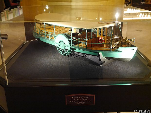 色々なパークの乗り物の模型が置いてあります!