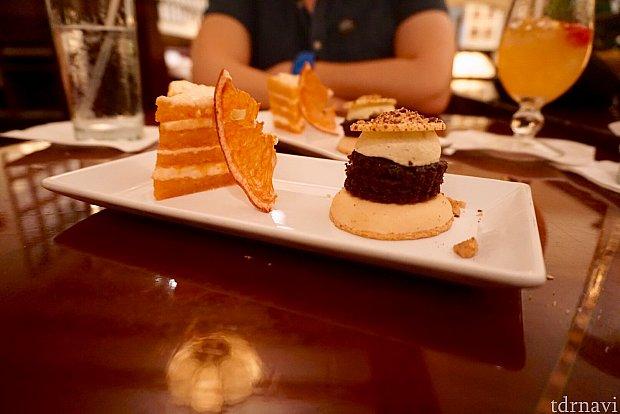 最後デザートはチョイスがあるわけではなく、チョコレートムースケーキとグレープフルーツケーキが出てきました。両方とも甘さ控え目で、とても美味しかったです。