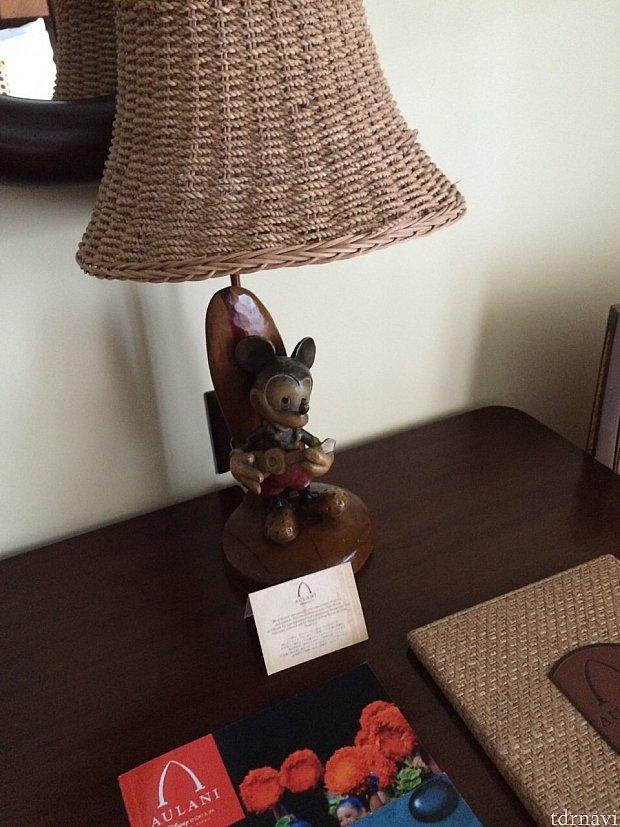 ランプにも陽気なミッキーが!