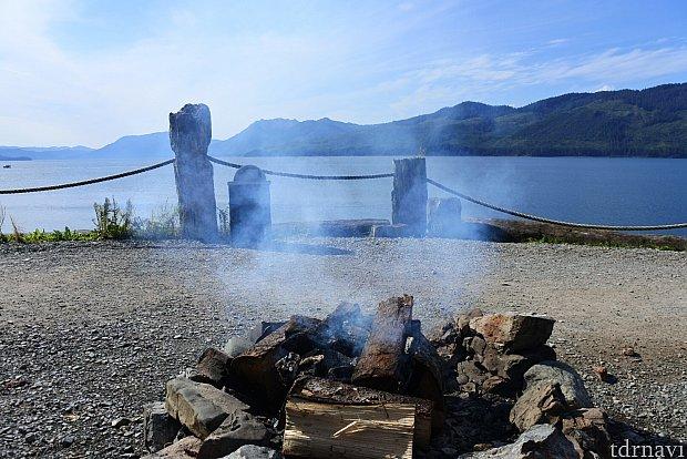 WOOD CHIP FIREにはベンチがいくつかあります。ここからの景色もなかなか良かったです。