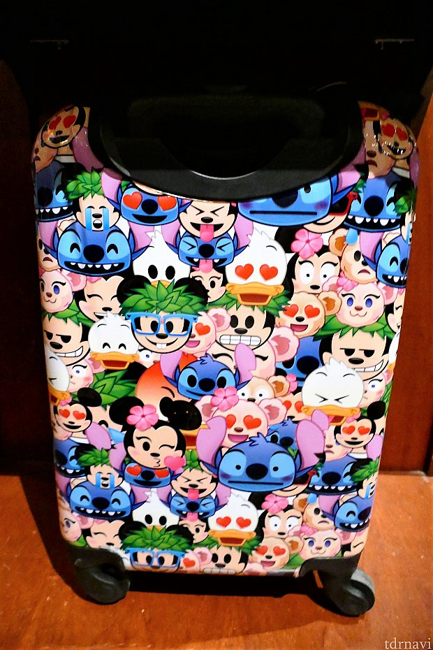 海外ディズニーで人気(?)のemojiシリーズのキャリーバッグ 155ドル