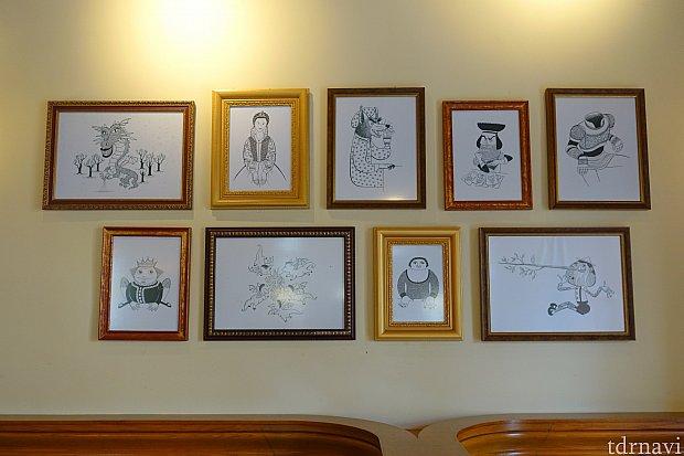 シュレックのキャラクターが描かれたアートも展示されています。