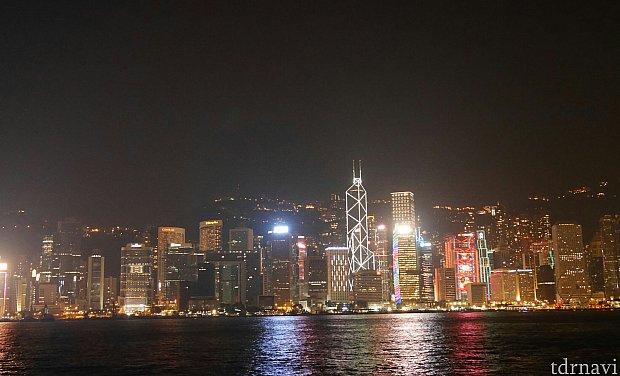 歩いたらすぐこんな景色に出会えます!香港はパークだけでなく、街あるきもぜひ!