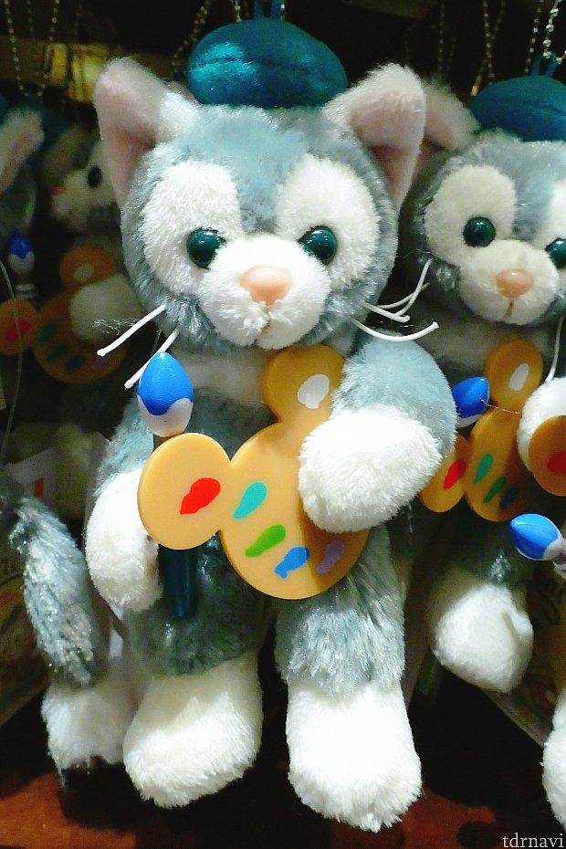 ぬいぐるみバッジ(1,700円) 以前パレットを持ったぬいぐるみバッジが販売されたこともありましたが、今回は絵筆も持っています♪