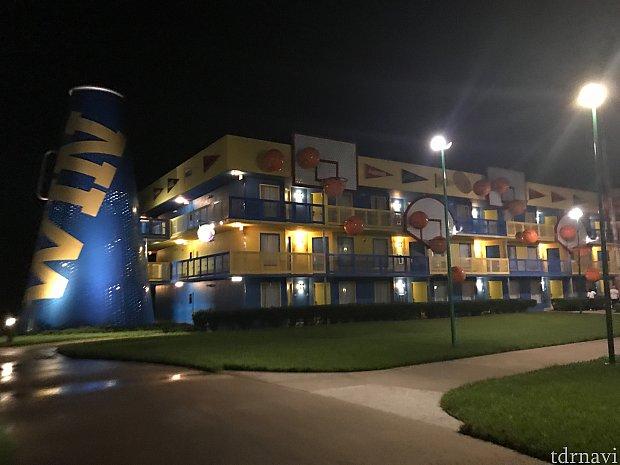 これが泊まったホテルです。 バスケットボールでしたw