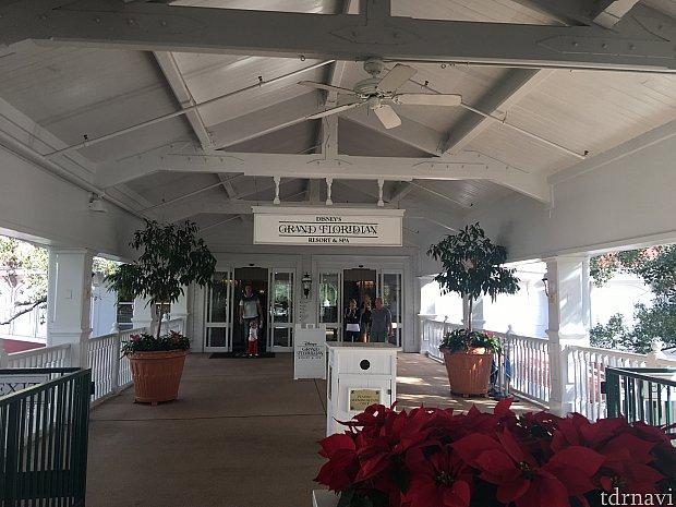 モノレールの駅はメインビルディングの入り口で、駅直結で超便利です(o^^o)