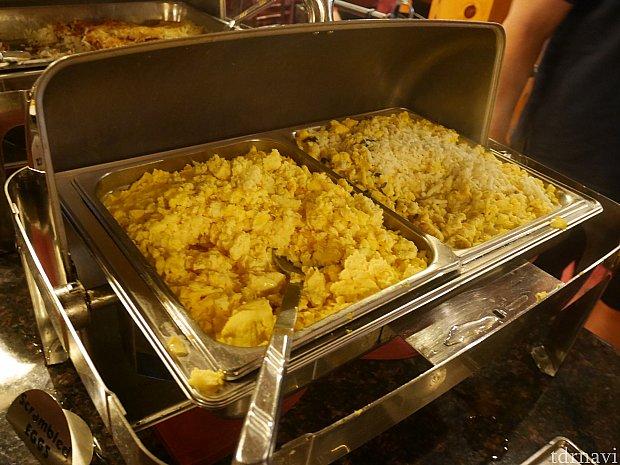 【朝食ブッフェ】 スクランブルエッグ アメリカのブッフェはこんなものなのかもですが、日本や香港の朝食ブッフェを思い浮かべると寂しい感じ。セットメニューの方がオススメです!