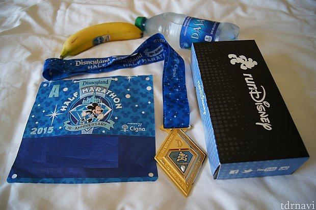 ハーフマラソン参加賞、60周年にちなんでダイヤ型のメダルです。