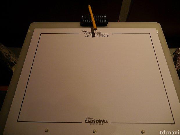 紙にはアニメーションアカデミーとカリフォルニアアドベンチャーのロゴ入りです!