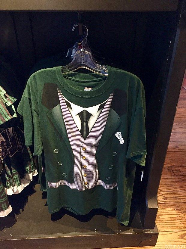 男性用コスチュームTシャツは、お値段$29.99。ちょっと着てみたい…