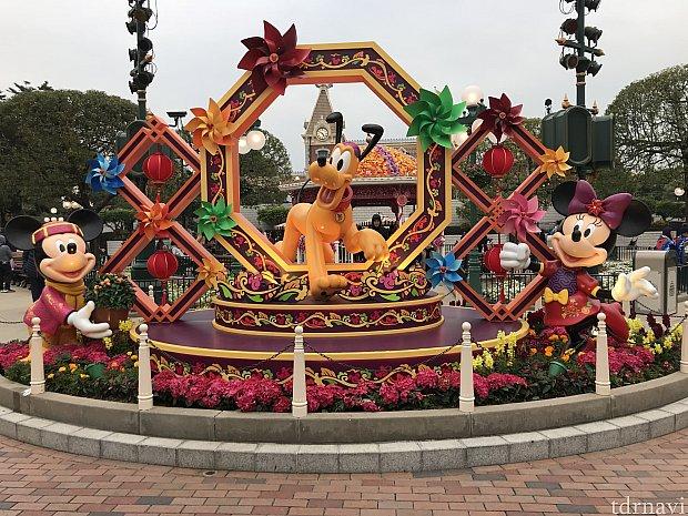 エントランスの飾りも旧正月仕様になっていました。
