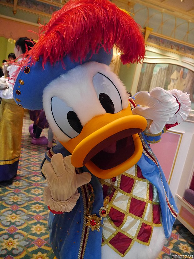 ミッキー、ドナルドはマッキーでサインしてもらえました!!