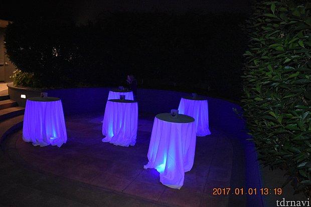 外にもテーブルがありましたが、この日も寒かったので、室内のテーブル利用がほとんどでした!