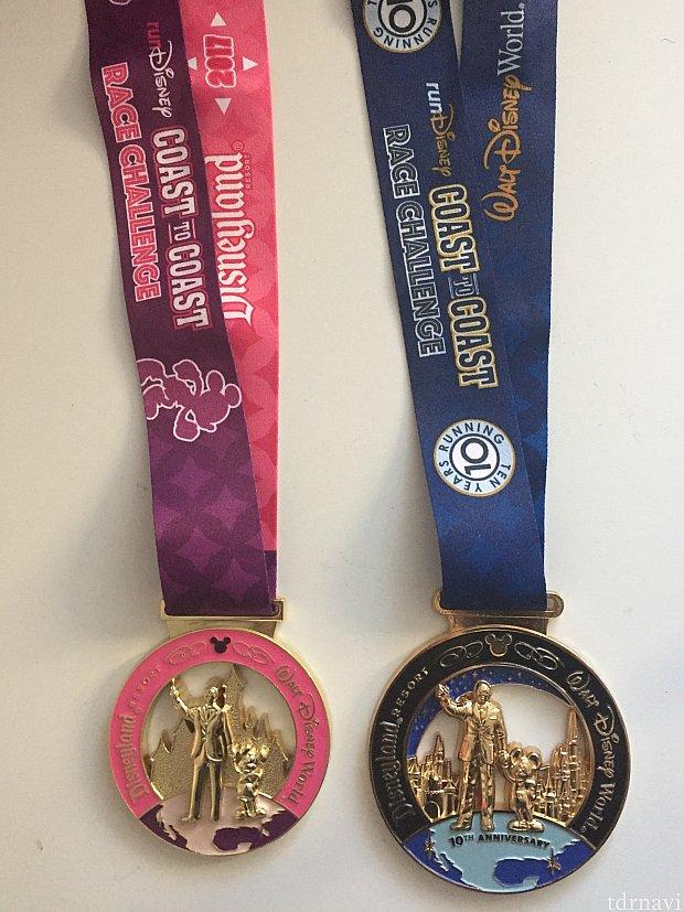 Coast to Coastのメダルたち。ピンクはDisney Princess HalfとTinkerbell Half用。ブルーはレギュラーのものですが、今回は10周年仕様でゴージャス。次はCastle to Chatauも目指そうかな。