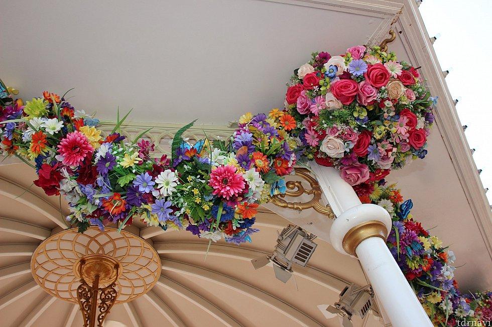 こんな感じでお花の装飾が凝ってます💠