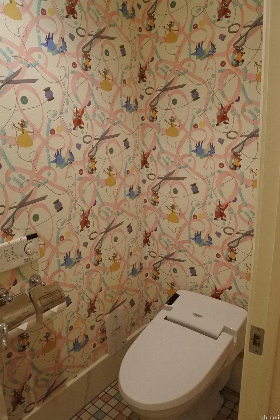トイレのかわいさにびっくり!カラフルなのがいいなと思います!