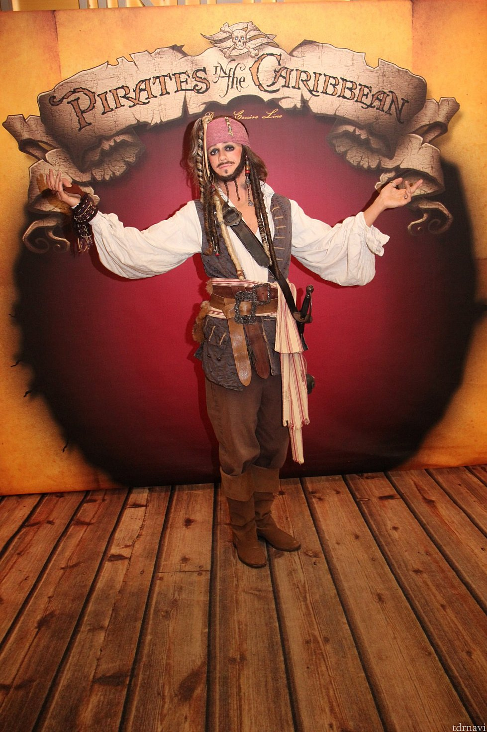 キャプテン・ジャック・スパロウ! お酒を飲み過ぎたため、5分遅刻してきました💦