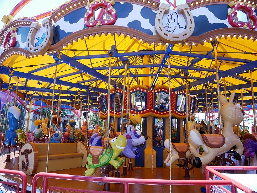 乗り物が馬ではなく、トイストーリー2に出てきたキャラクターになっています!