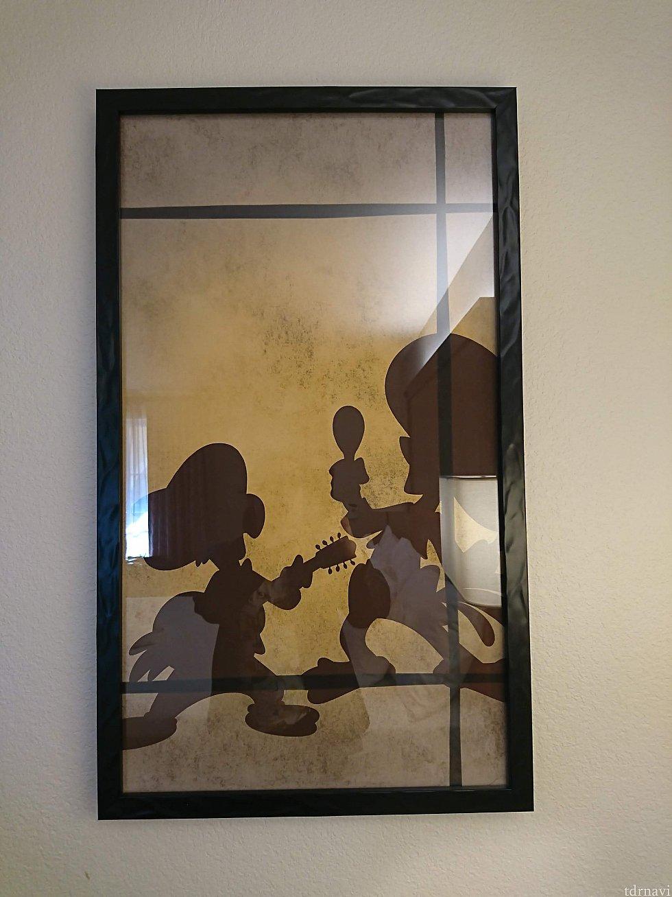部屋にはホセとパンチートデザインのポスターが!