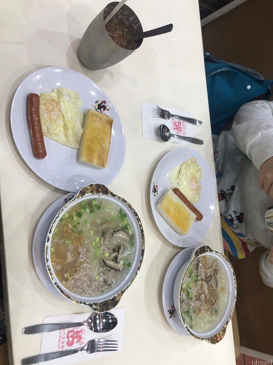 朝ごはんはすぐ側にあった澳門茶餐廳で。具のたくあん?メンマ?みたいなのが塩味が効いてて美味しかったです。
