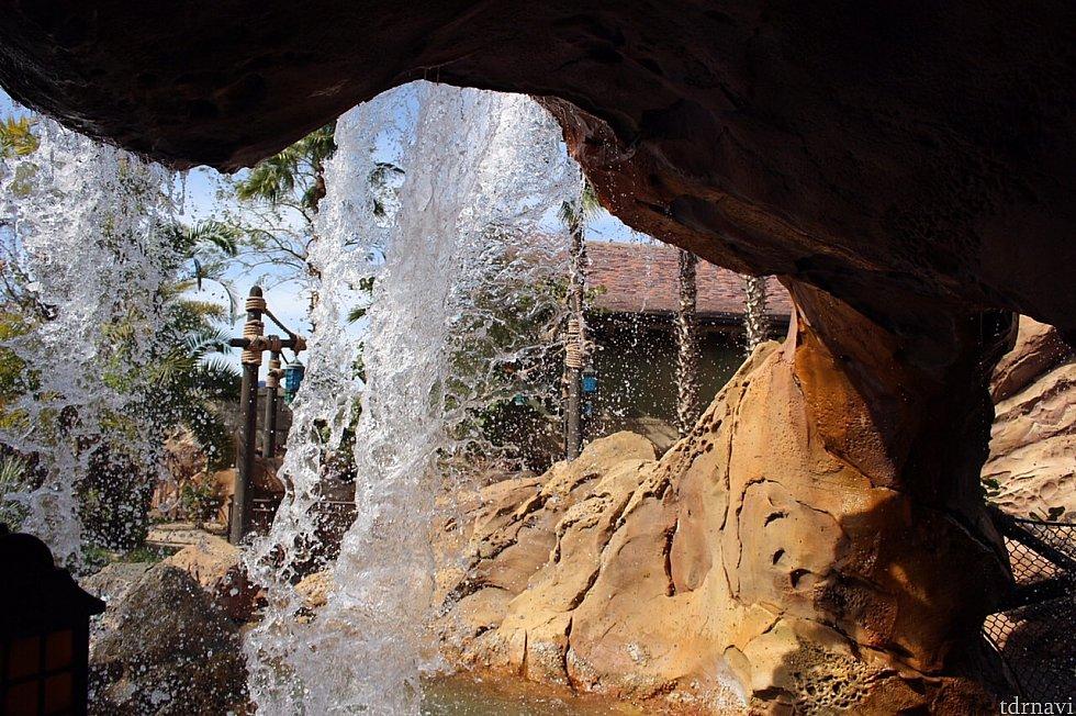 滝があって素敵!