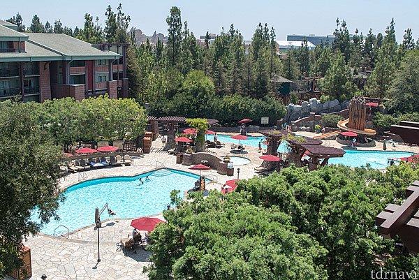 グランド・カリフォルニアンのプールの全景です。
