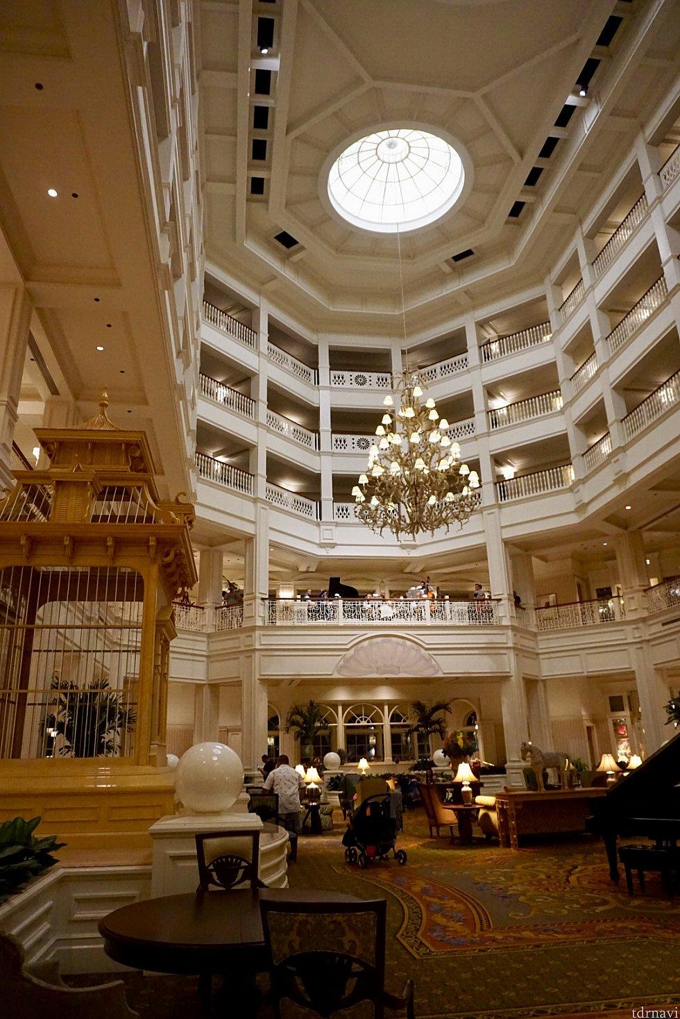 ヴィクトリア朝スタイルがデザインのリゾートです。この建物の2階にVIctoria & Albert'sはあります。