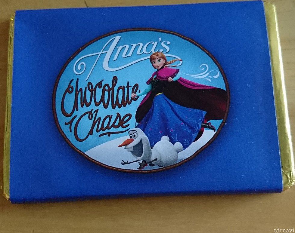 翌日の朝、お部屋にチョコレートが届いていました😃