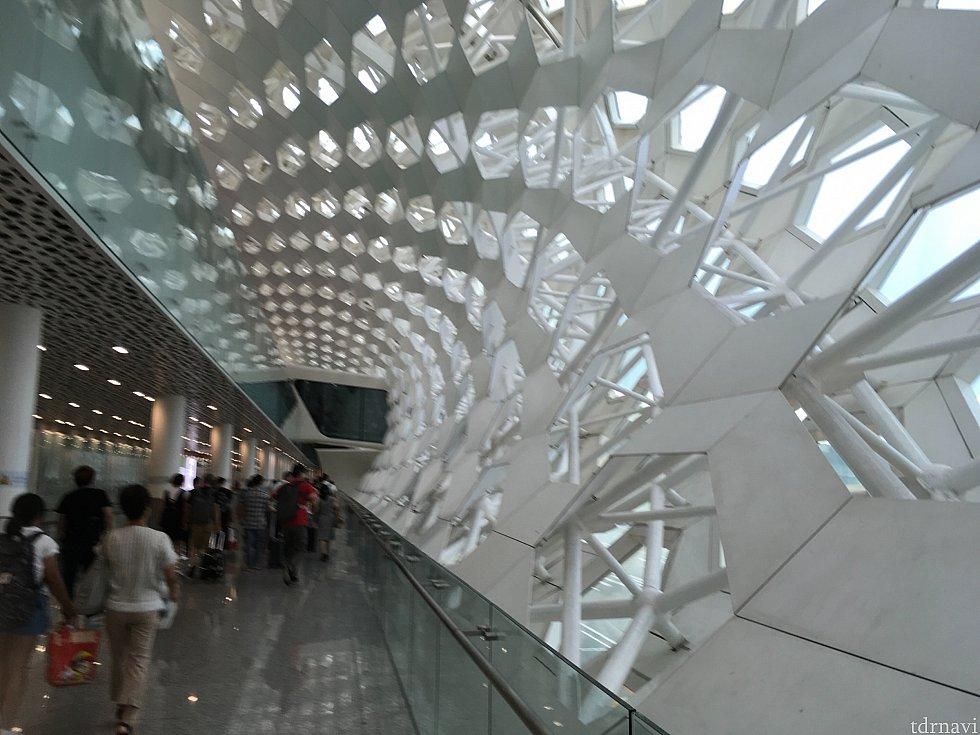 深セン空港はとてもきれい!しかもオシャレです