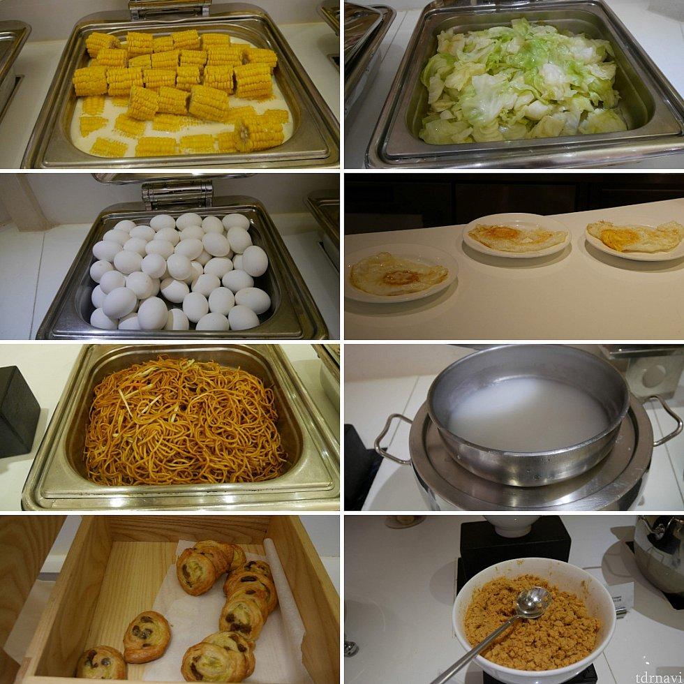 コーンやゆでキャベツって珍しい😅卵はゆで卵と硬めの目玉焼き。おかゆ、パン(菓子パン・クロワッサン・食パン)、コーンフレークなど、一般的なものは網羅されています。
