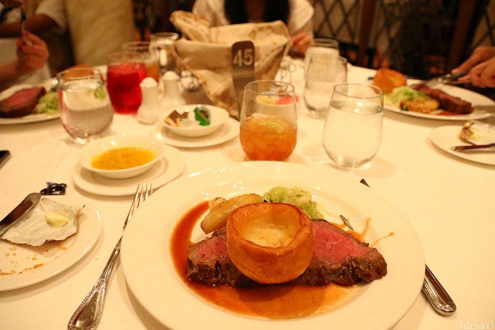 フィレステーキ。柔らかくて美味しいです。振り返るとお肉ばかり食べてます…(笑)
