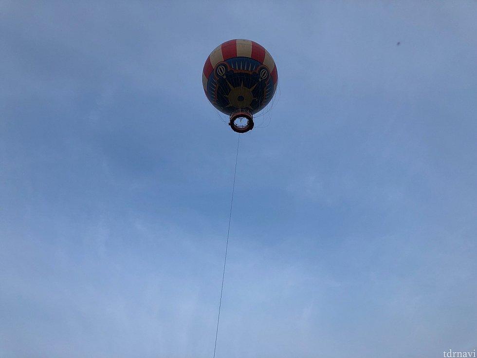 気球にも乗れます! この気球に乗ればパークが一望できますね!