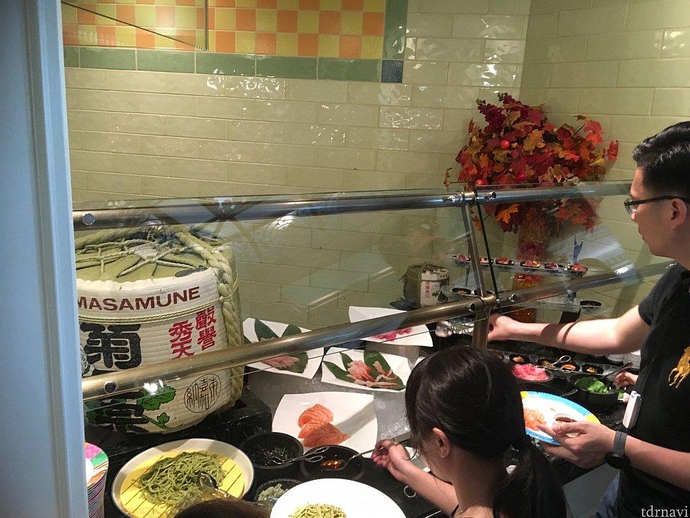 寿司や刺身など和食も豊富!