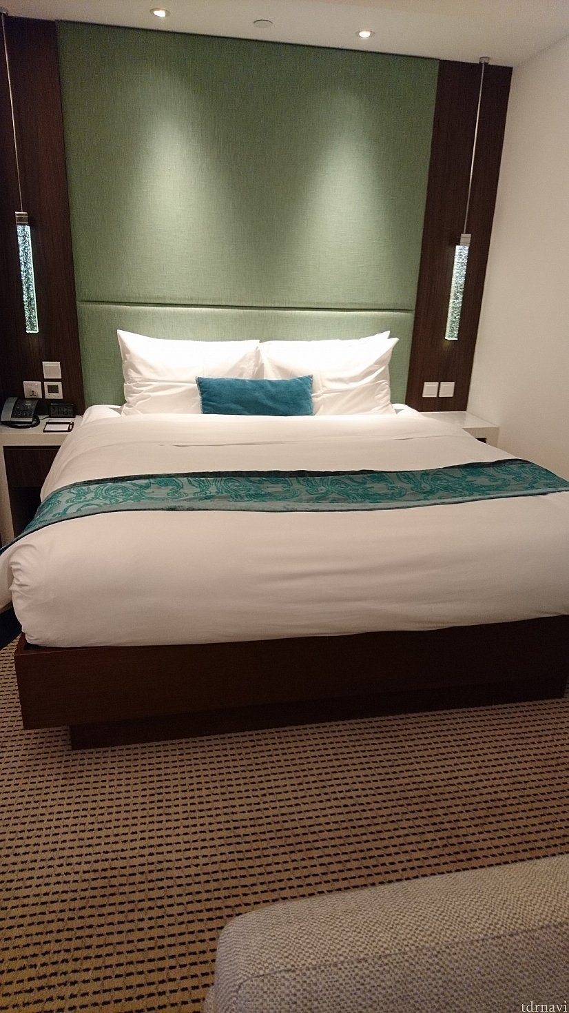 大きなベッド!1人占めだったのでとても広かったです😃