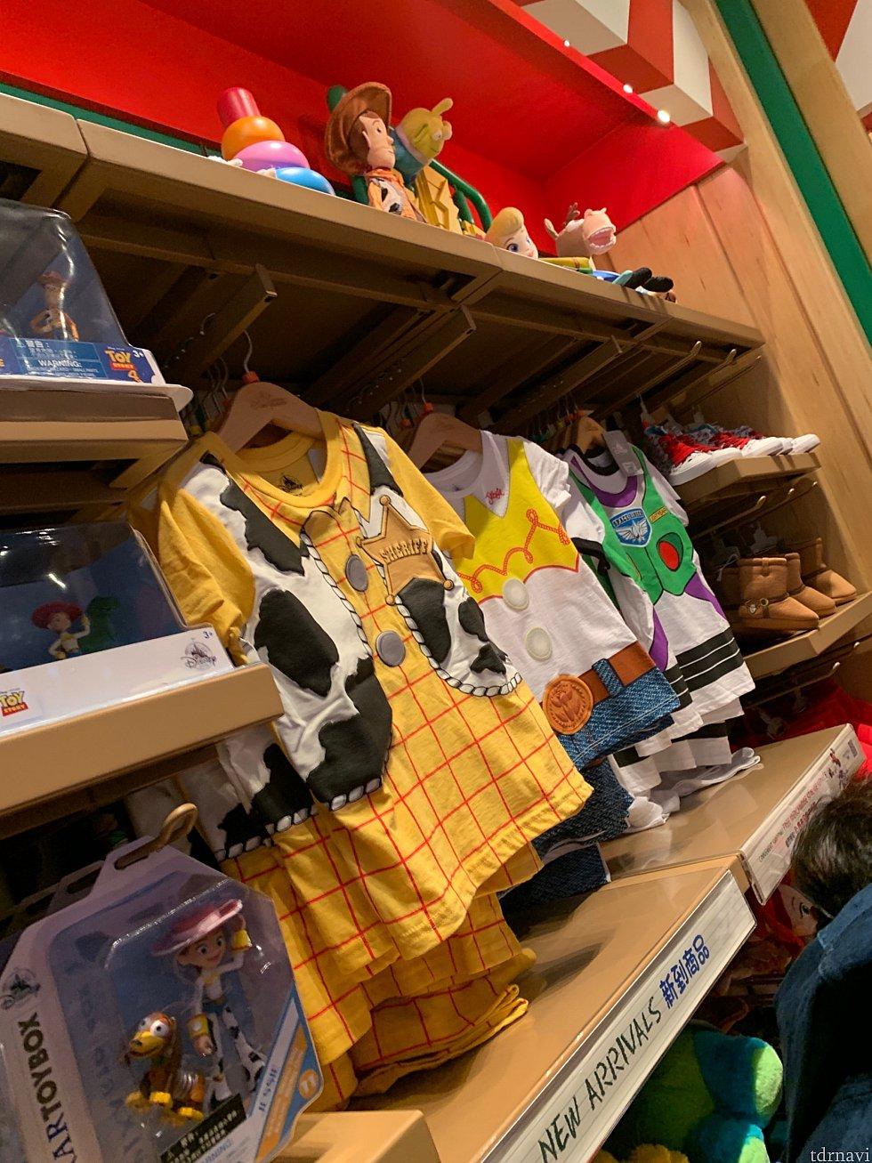 小さい子向けのTシャツ!着るだけでウッディたちになれるかわいいデザインです。