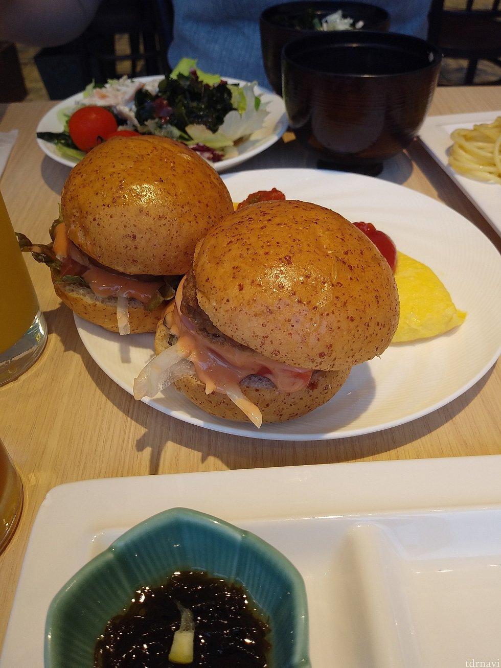 舞浜スマイルバーガー。美味しかったです。