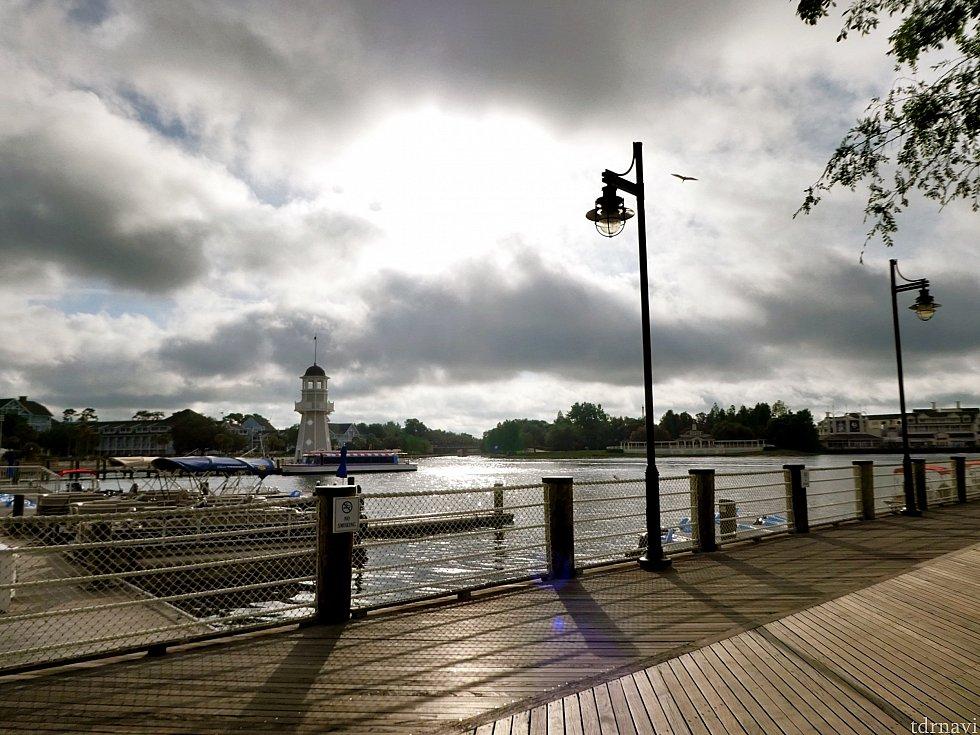 ヨットクラブの前の船着場