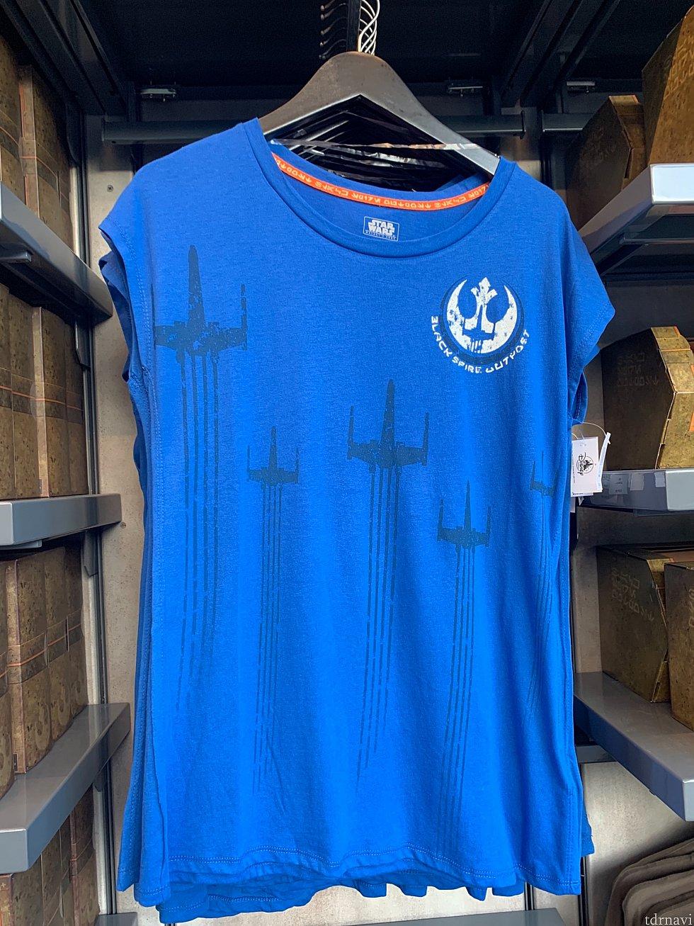 ここからはTシャツシリーズ。40ドル。