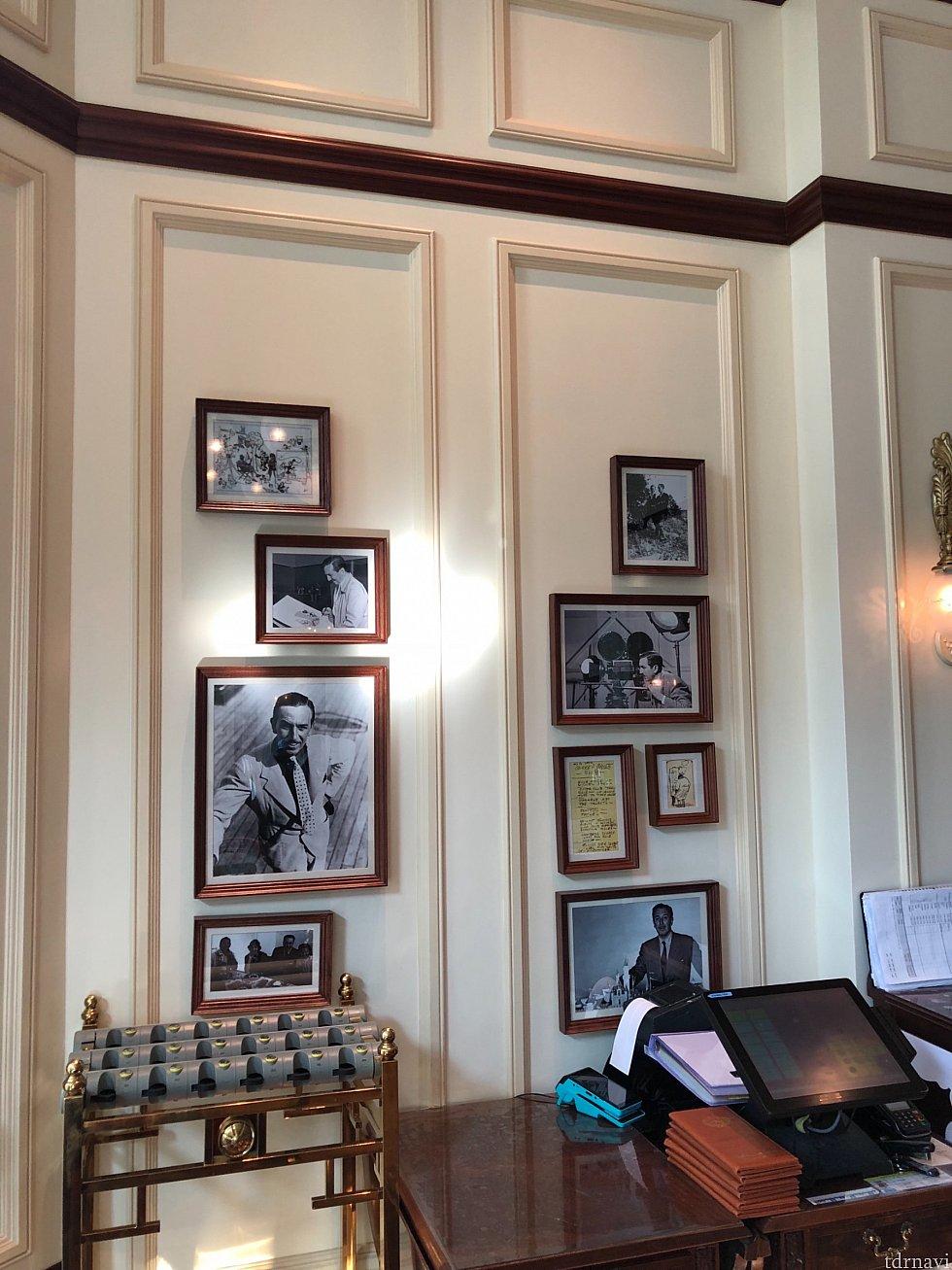 店内にはウォルトの写真がたくさん飾られています。