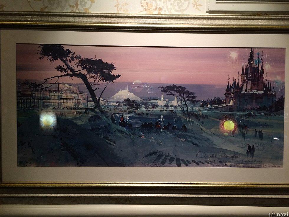 懐かしい、東京ディズニーランドの絵がショップのエントランス前の廊下に飾られていました。