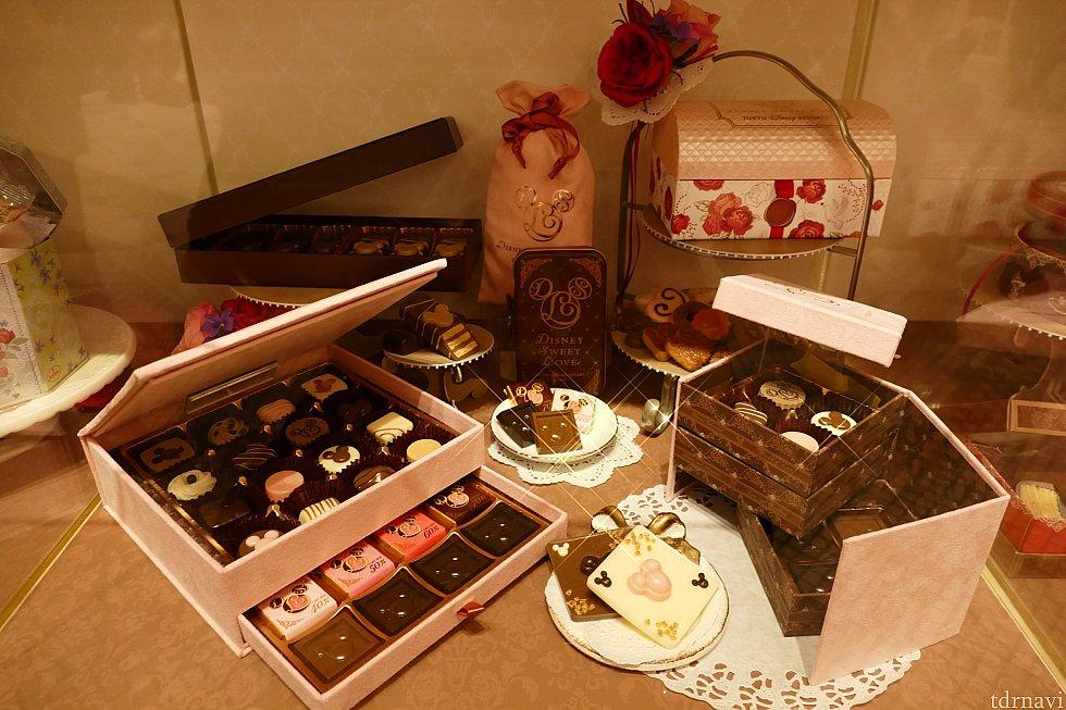 こちらは高級チョコレート! 奥のチョコレートはまずますですが手前の2つは 見るからに豪華!!そしてズバ抜けて可愛い!!! 下で紹介します✨
