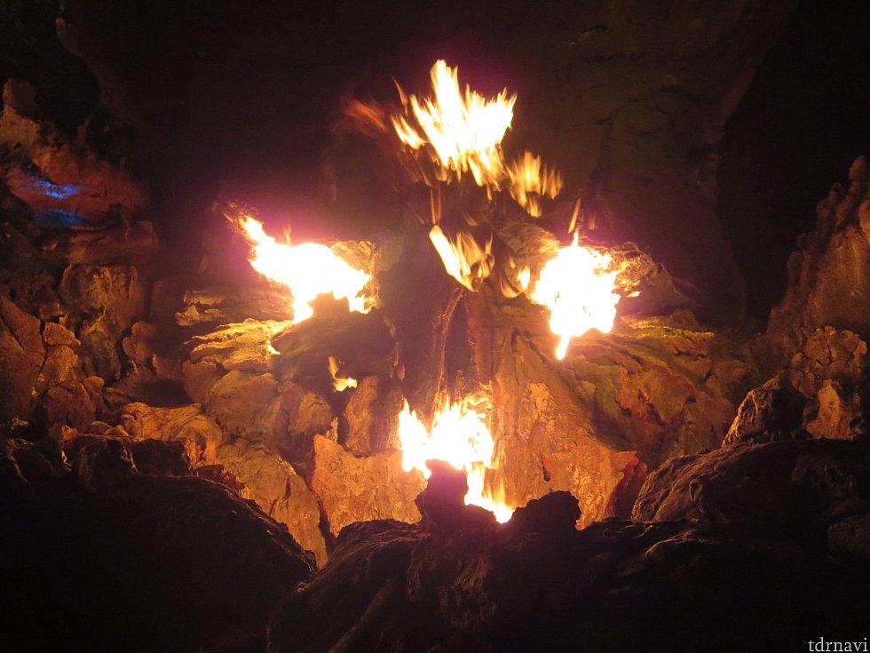 炎がゴォォオオオオオ!!!夜もオススメです✨
