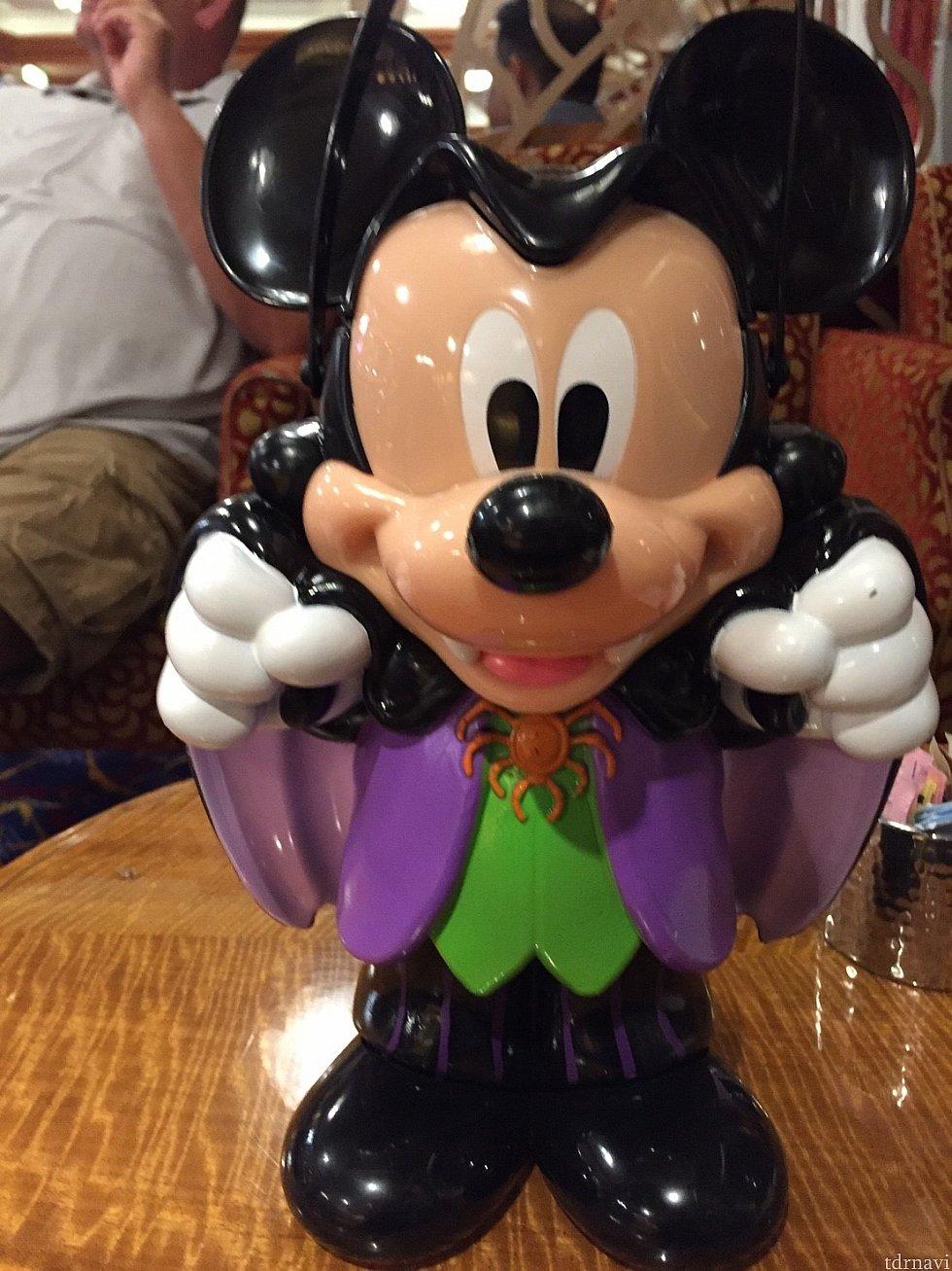 ハロウィン仕様のミッキーのポップコーンバケツ