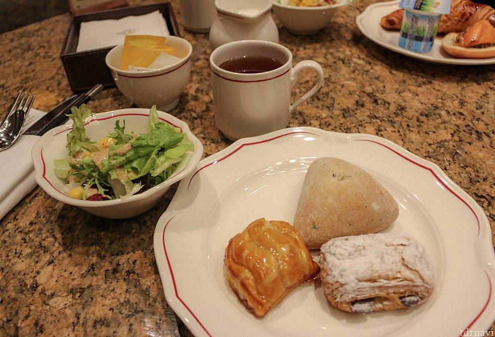 アップルパイがすごく美味しかったです😋 紅茶・珈琲は料金に含まれているようでした。