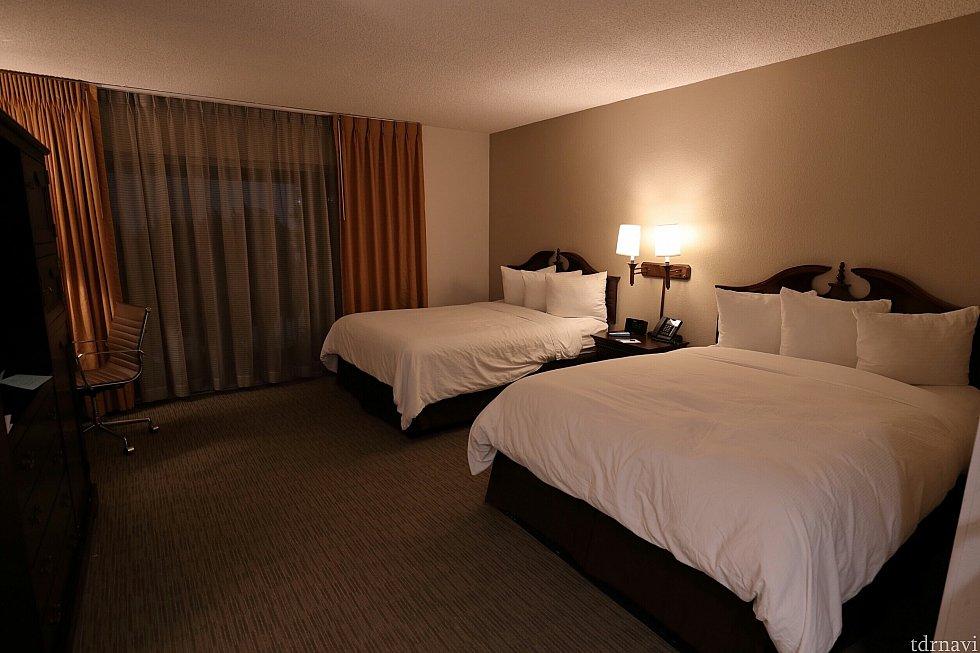 ベッドも大きくお部屋も広かったです。
