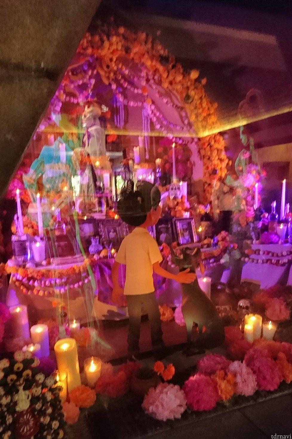 大きな祭壇の展示があるのですが、しばらく見ていると、死者が戻って来るんです! ぜひこちらもチェックしてみてくださいね♬