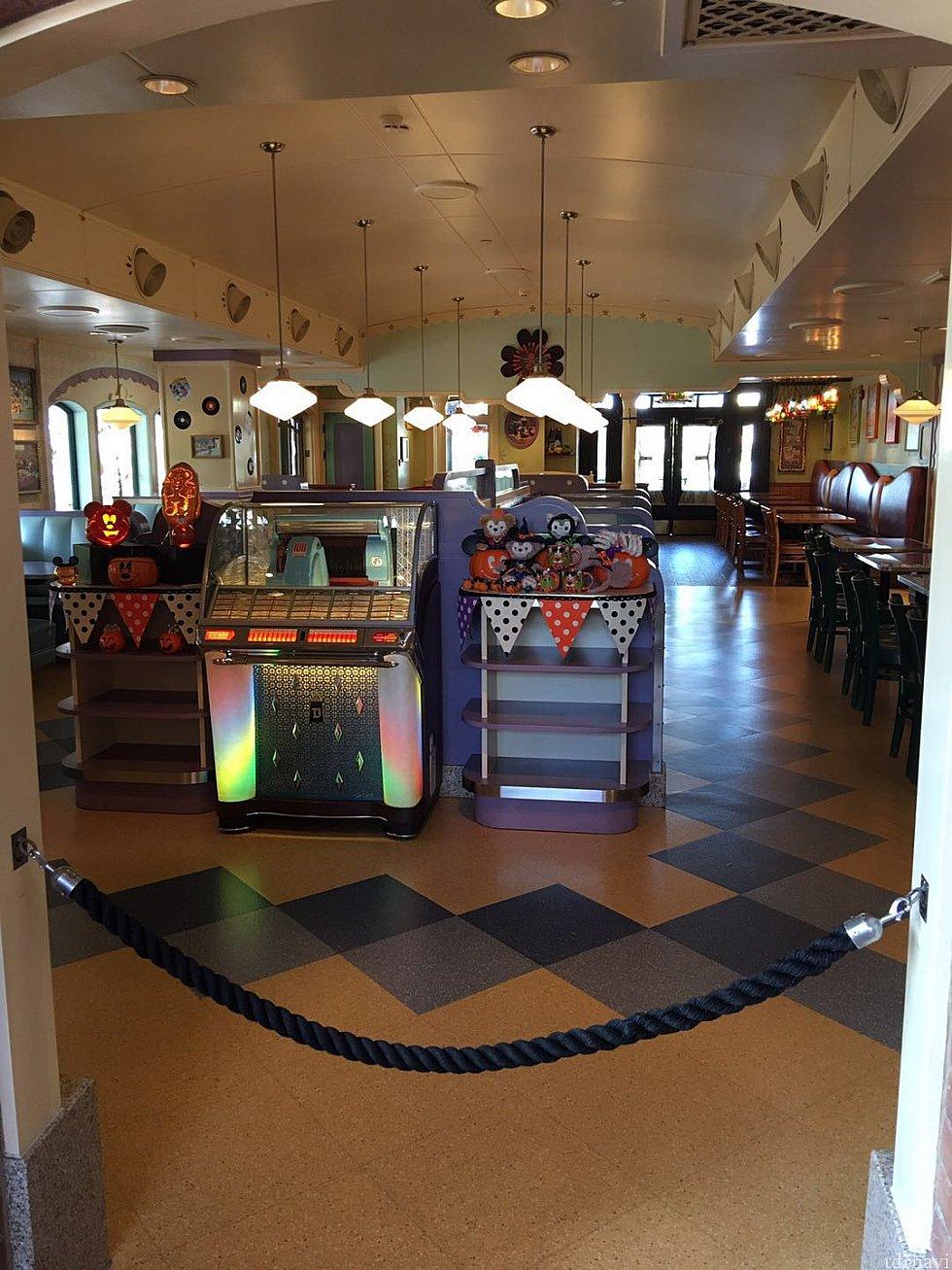 デイジーカフェは閉鎖されていたので、多分ここがハロウィンのアフタヌーンティー専用の場所になると思います。