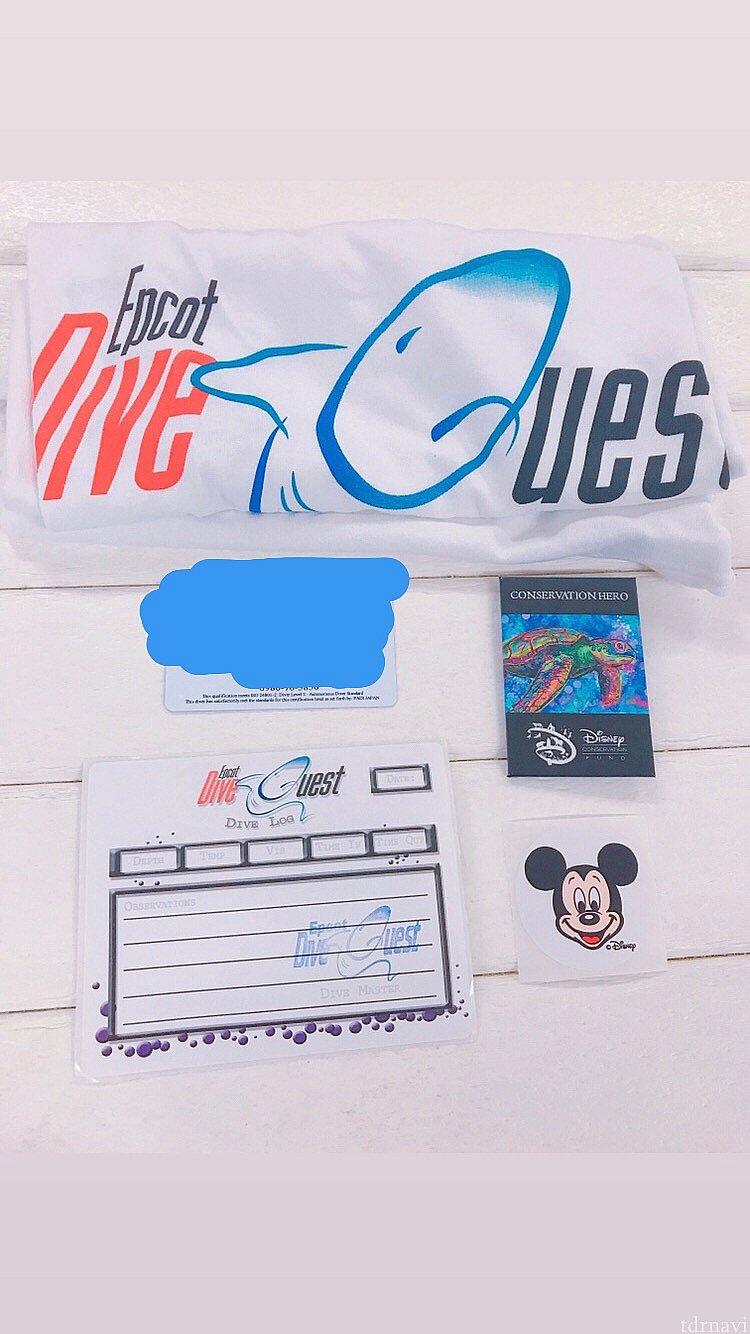 ダイブクエスト参加者限定Tシャツ 記念のピンバッチ ミッキーのシール ホットココアが配られました!!